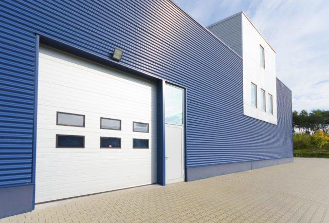 Ворота секционные (гаражные) промышленные